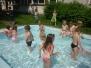 Berušky v bazénu na zahradě - 18. 6. 2013