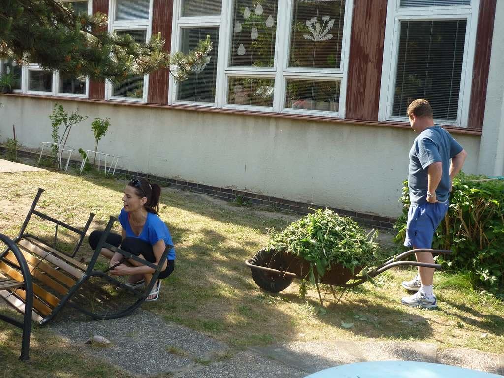 brigada_na_skolni_zahrade122