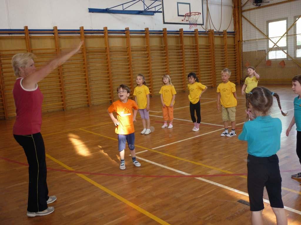 gymnastika_2011101